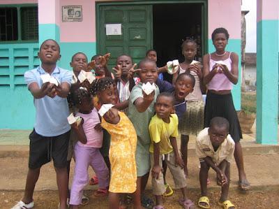 Niños de la ludoteca de la Asociación Africanista Manuel Iradier