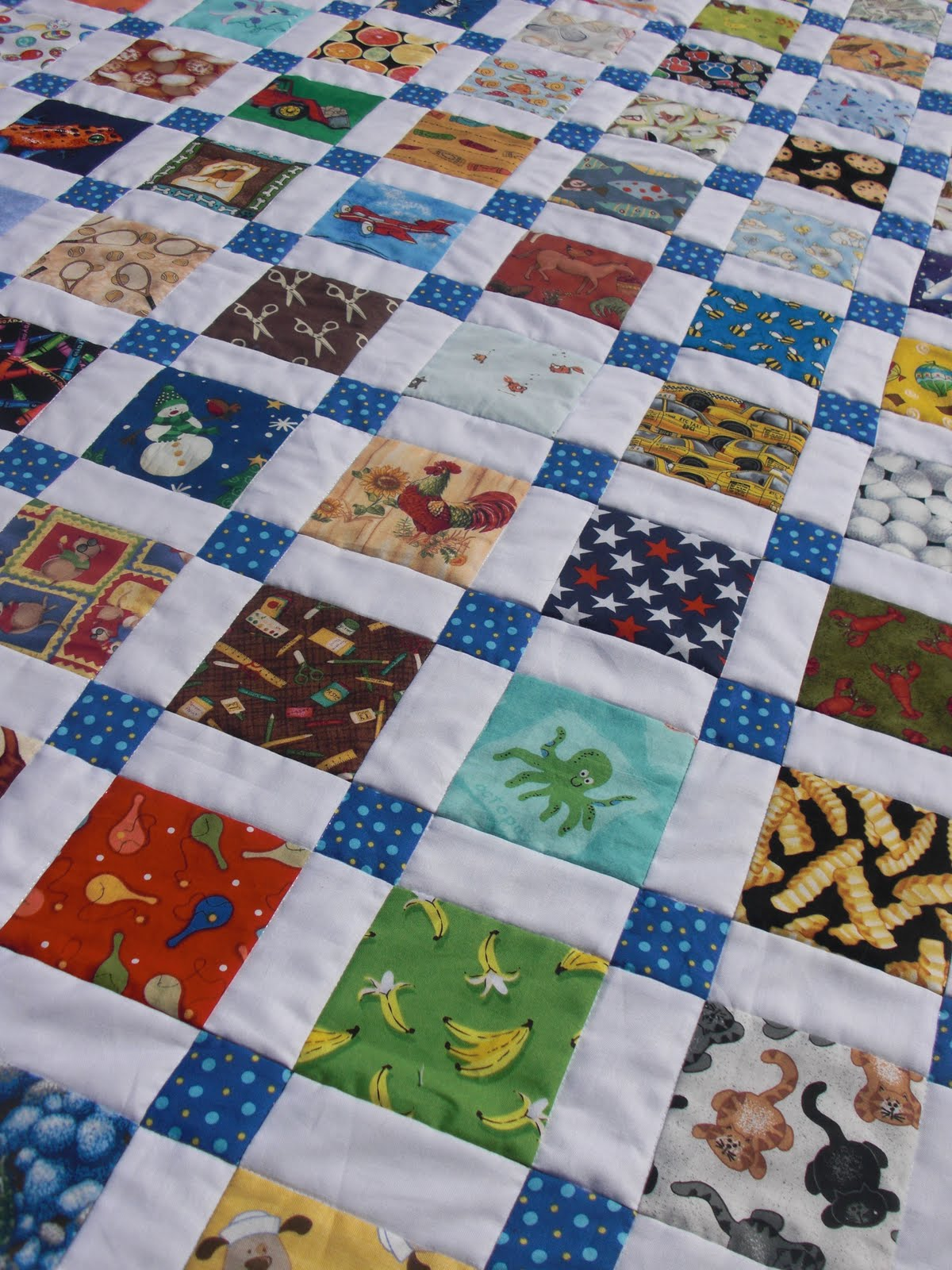Modern 9 patch quilt block - Obsessively Stitching Disappearing Nine Patch I Spy Version