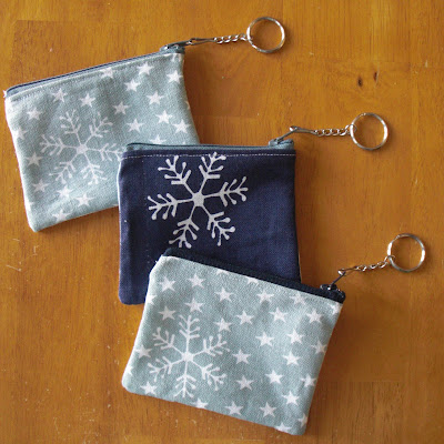gifts for winter: coin purse keychains — from a dishtowel!!