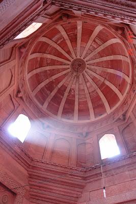Dome inside Fatehpur Sikri