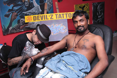 Remo engraves tattoo in Saddi Dilli in Dance India Dance