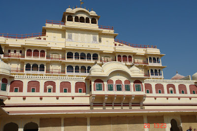Photo of The striking architecture and colors inside the Jaipur City Palace