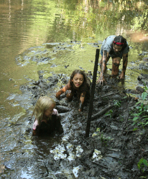 The Öko Box: Mud Wrestling In The Luck Pond