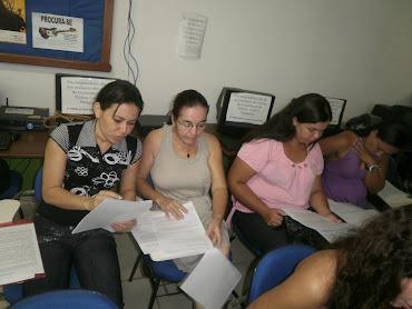 Fotos do 2º dia de formação - Elaboração das sequências didáticas