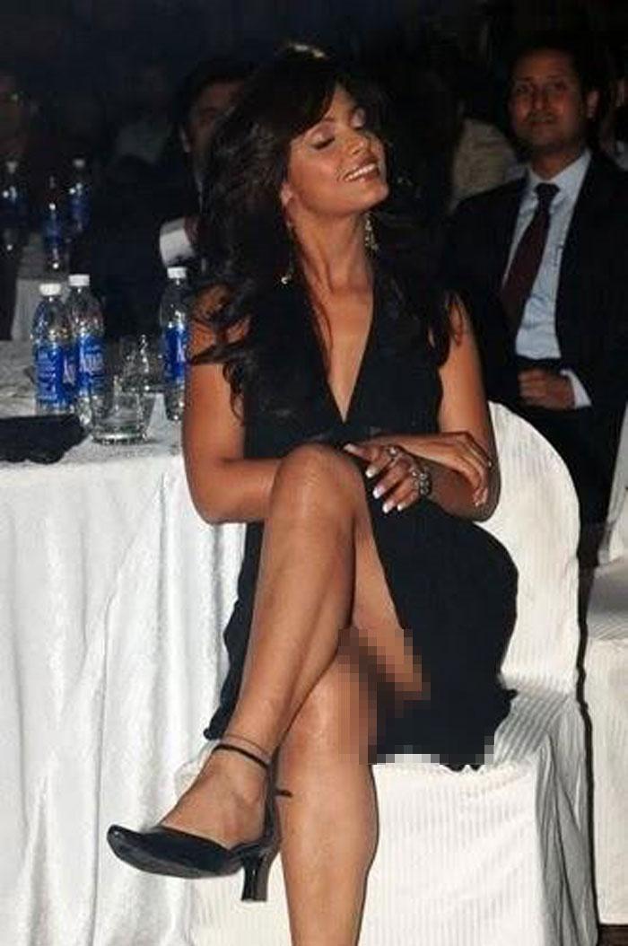Yana Gupta Panty Less