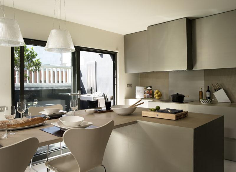 Tico de dise o en plaza catalu a casa minimalista for Acabados minimalistas interiores