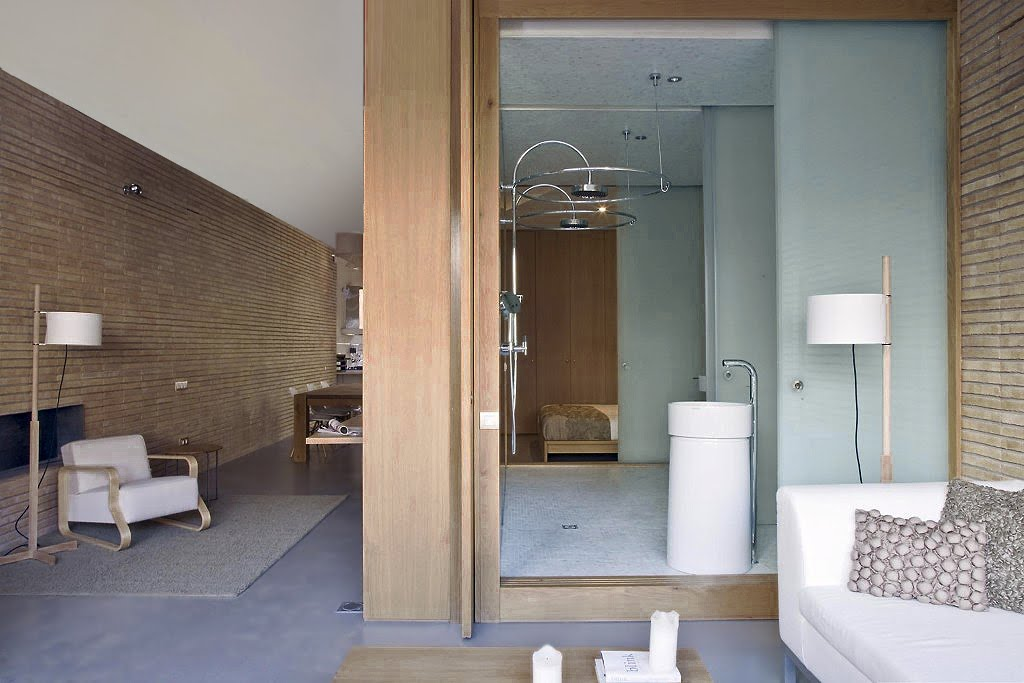 Reforma arquitectura y dise o de un loft en barcelona for Casa minimalista barcelona capital
