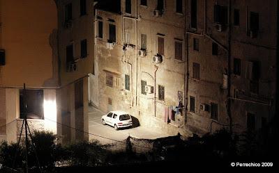 Callejón oscuro de Palermo