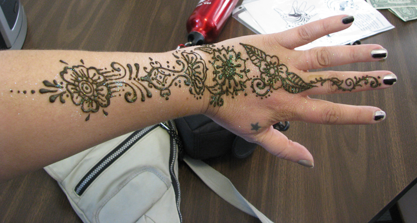 Mehndi Tattoo On Hand For Girls : Free tattoos designs: hand for girls