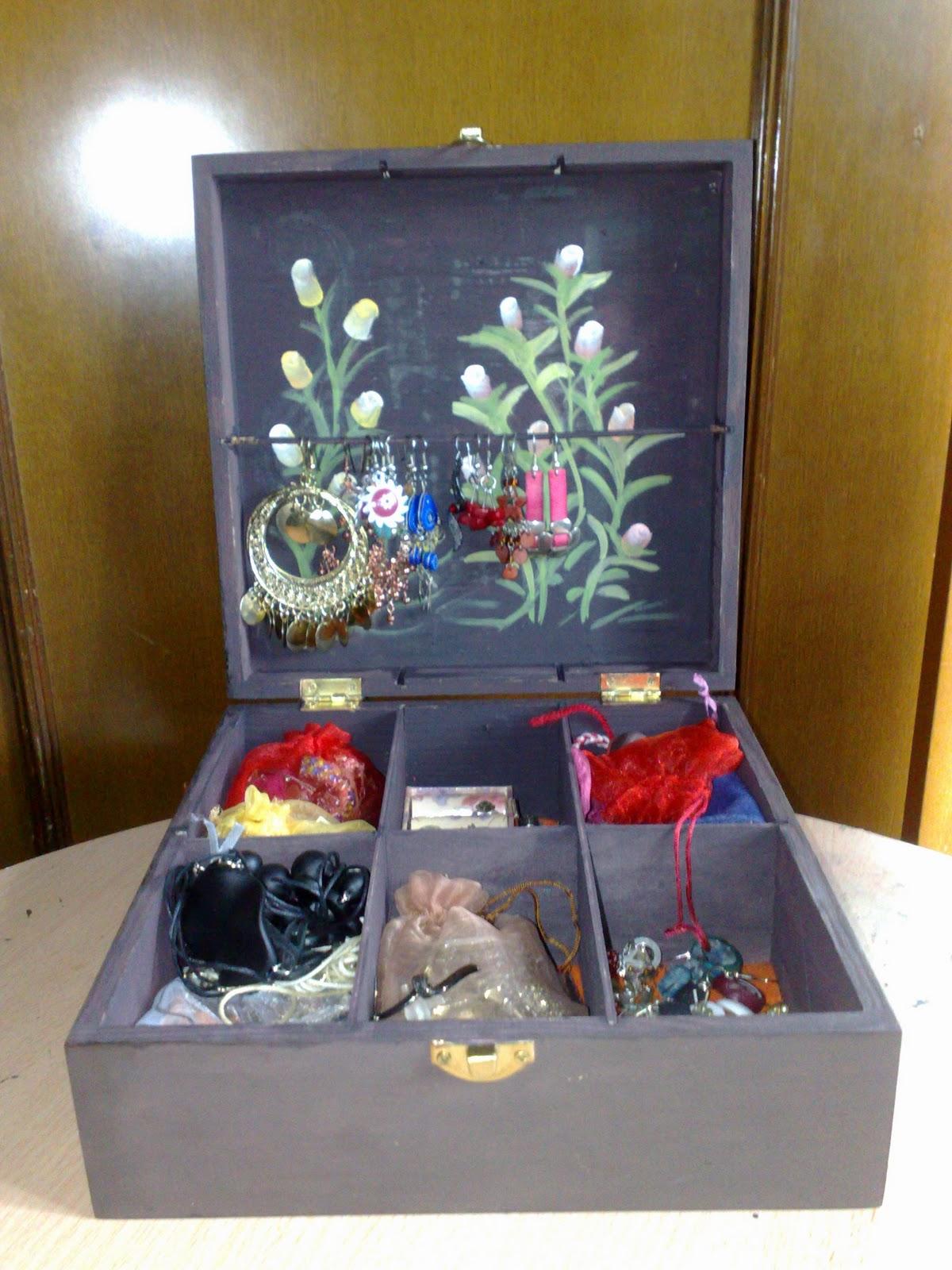 Manualidades y otros entretenimientos decorar una caja madera para hacer un joyero - Cajas madera para manualidades ...
