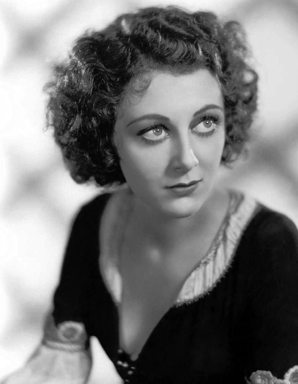 Diana Wynyard (1906?964) foto