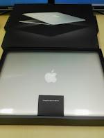 Apple MacBook Airを開けてみた。