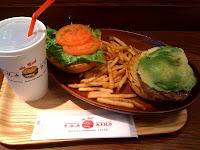 越谷レイクタウンのクア・アイナのハンバーガーを食べた感想。