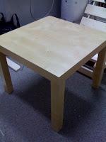 IKEA NN サイドテーブル 55X55 バーチ 1500円を買った。