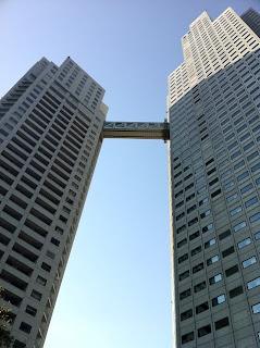 東京都中央区明石町にある聖路加ガーデンの聖路加タワー