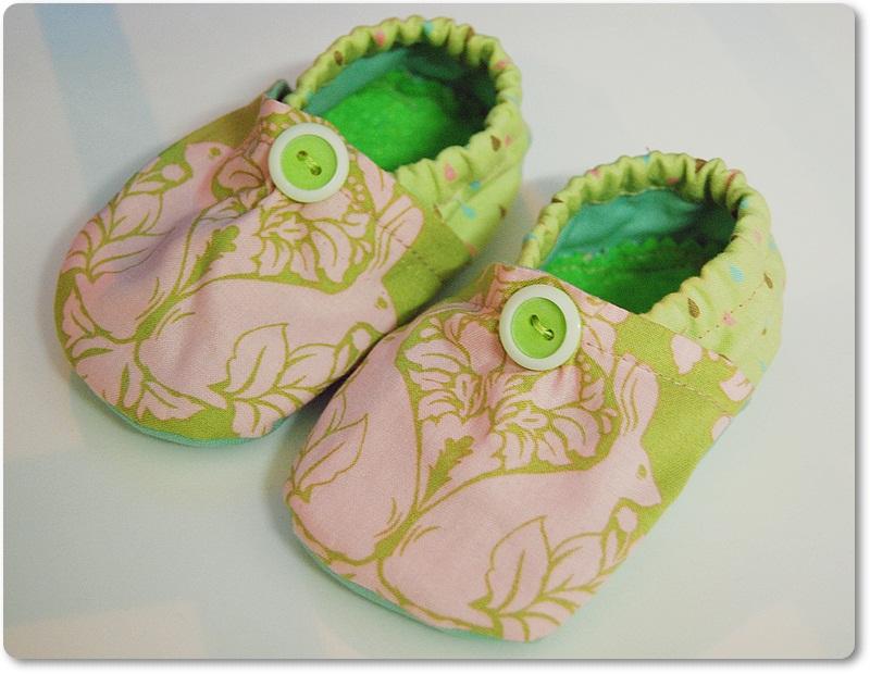 Sew Retro Chic Sew It Baby Booties