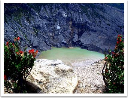 TANGKUBAN PERAHU,Most enjoyable places in west java,Indonesia