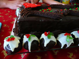 Chocolate Cake Christmas Design : Christmas Ideas: Christmas Chocolate Cake