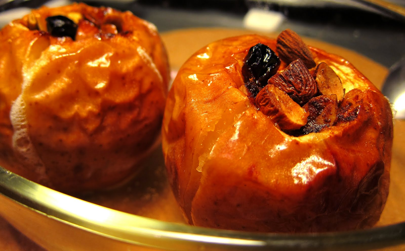 Mummy, I can cook!: Baked Apples with Cinnamon Nuts and Raisins