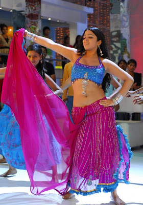 tollywood-actress-charmi-in-blouse-still-navel-show-photos+123actressphotosgallery.com