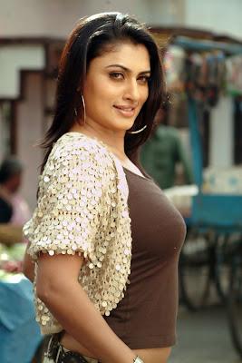 malavika hot spicy photos gallery+actressphotoszone.blogspot.com