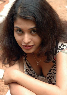 actress nagasri deep cleavage spicy photos