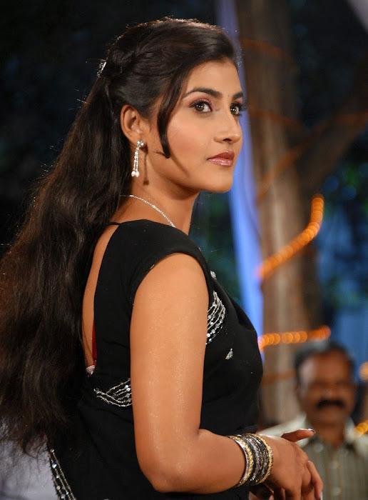 kausha glamour  images