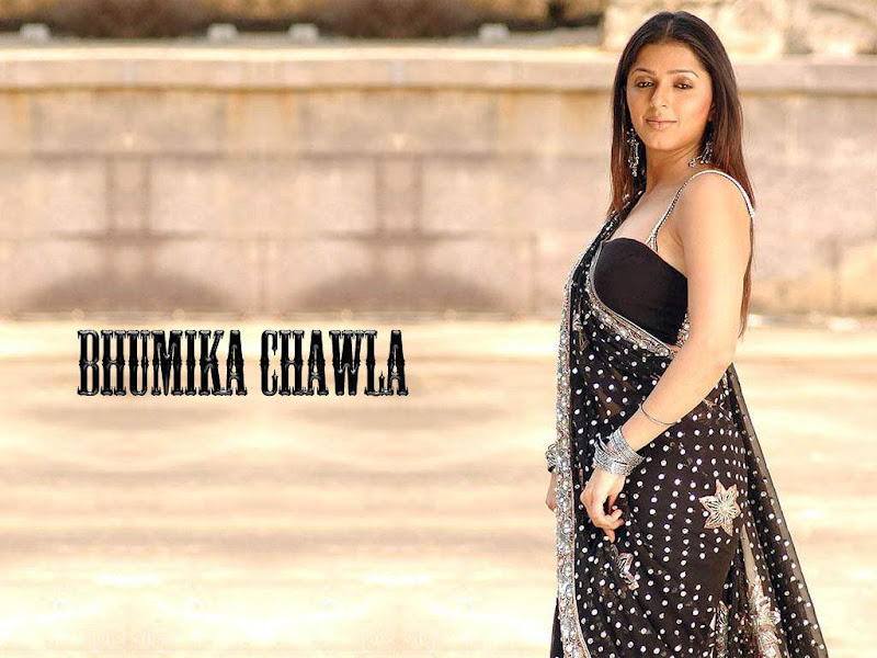 Actress Bhoomika Chawla Hot Saree Wallpaper Photos sexy stills