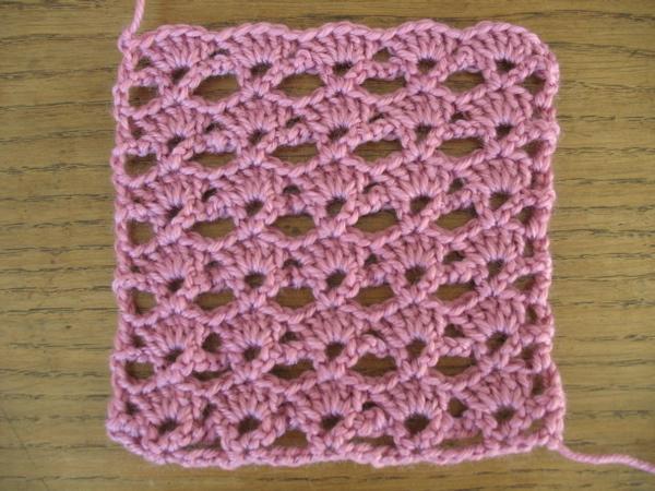 de la laine des aiguilles plaid crochet facile 2 3. Black Bedroom Furniture Sets. Home Design Ideas