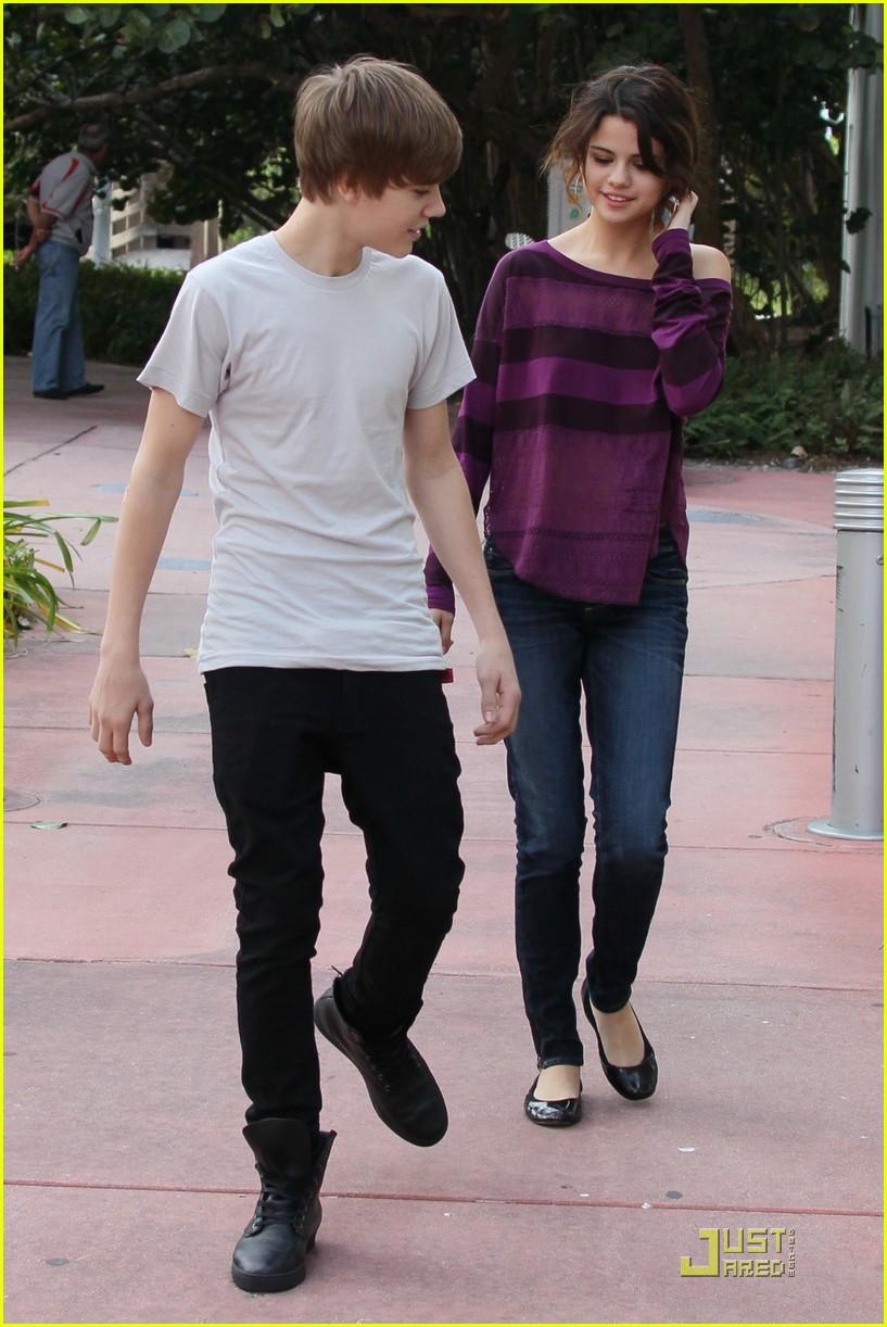 Justin Bieber y Selena Gomez, juntos de nuevo - YouTube