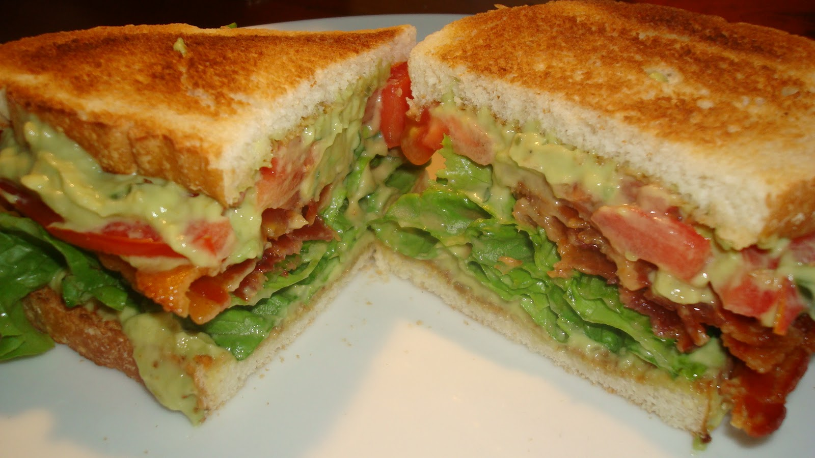 Dawn's Recipes: BLAT (bacon, lettuce, avocado and tomato)