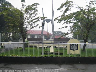 Ang 'inuulang' National Monument ni Marcelo Del Pilar