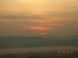 suasana pagi di Gunung Stong, Klate