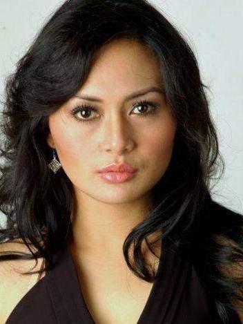 Foto Model Indonesia on Japan Model  Edies Adelia Sexy Lips Indonesian Artist