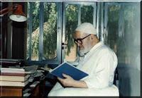 عکسی از آیت الله منتظری در دوران حصر. منبع سایت ایشان