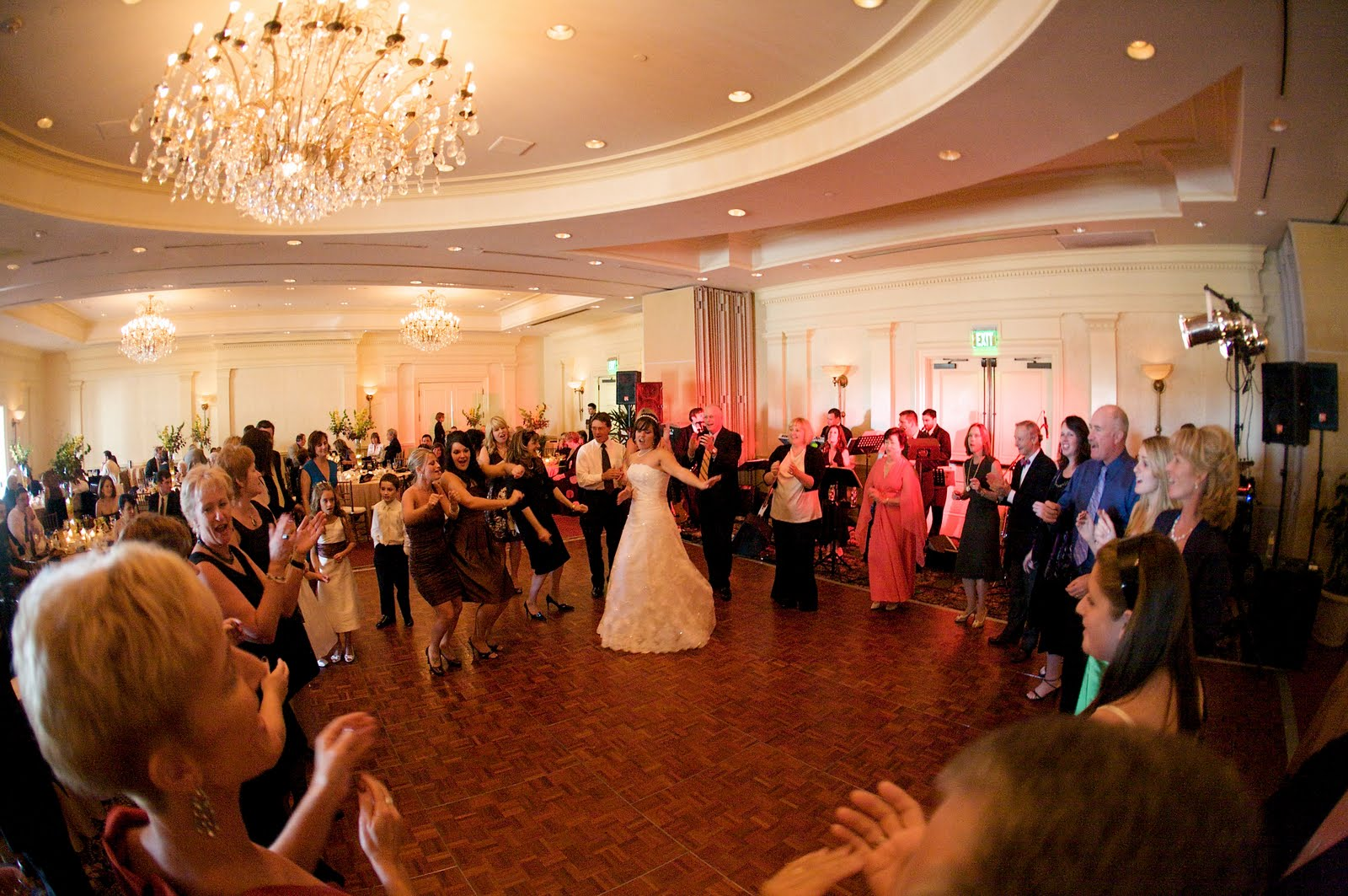 Caitlin And Billy Had A Wonderful Fall Wedding With The Service In Rye Nh Their Reception At Wentworth By Sea