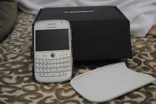 Blackberry Bold 9000 White