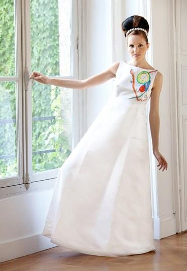 vestidos de novia sencillos. Este es un vestido de novia