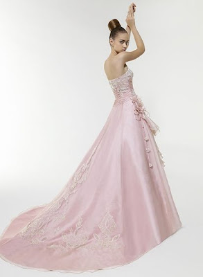 Brautkleid in rosa