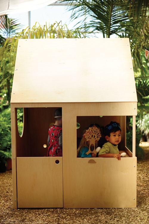 Moderna y atractiva casa de juegos para ni os decoracion for Casa moderna juegos