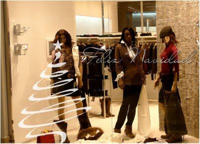 Web de la navidad como adornar una tienda en navidad for Como decorar una vitrina