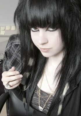 Emo hairstyles emo hair emo haircuts how to get an emo while many emos will tell you that the essence of an emo hairstyle is taking a do it yourself approach this doesnt always yield the results that you want solutioingenieria Images