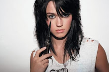 Katy Perry(L)
