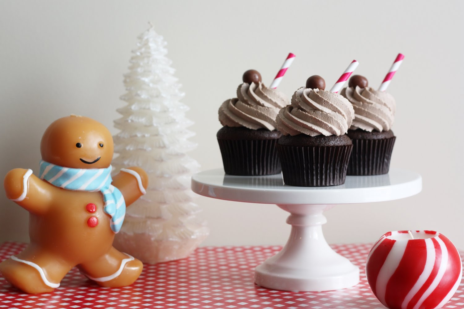 That Winsome Girl: Chocolate Malt Cupcakes
