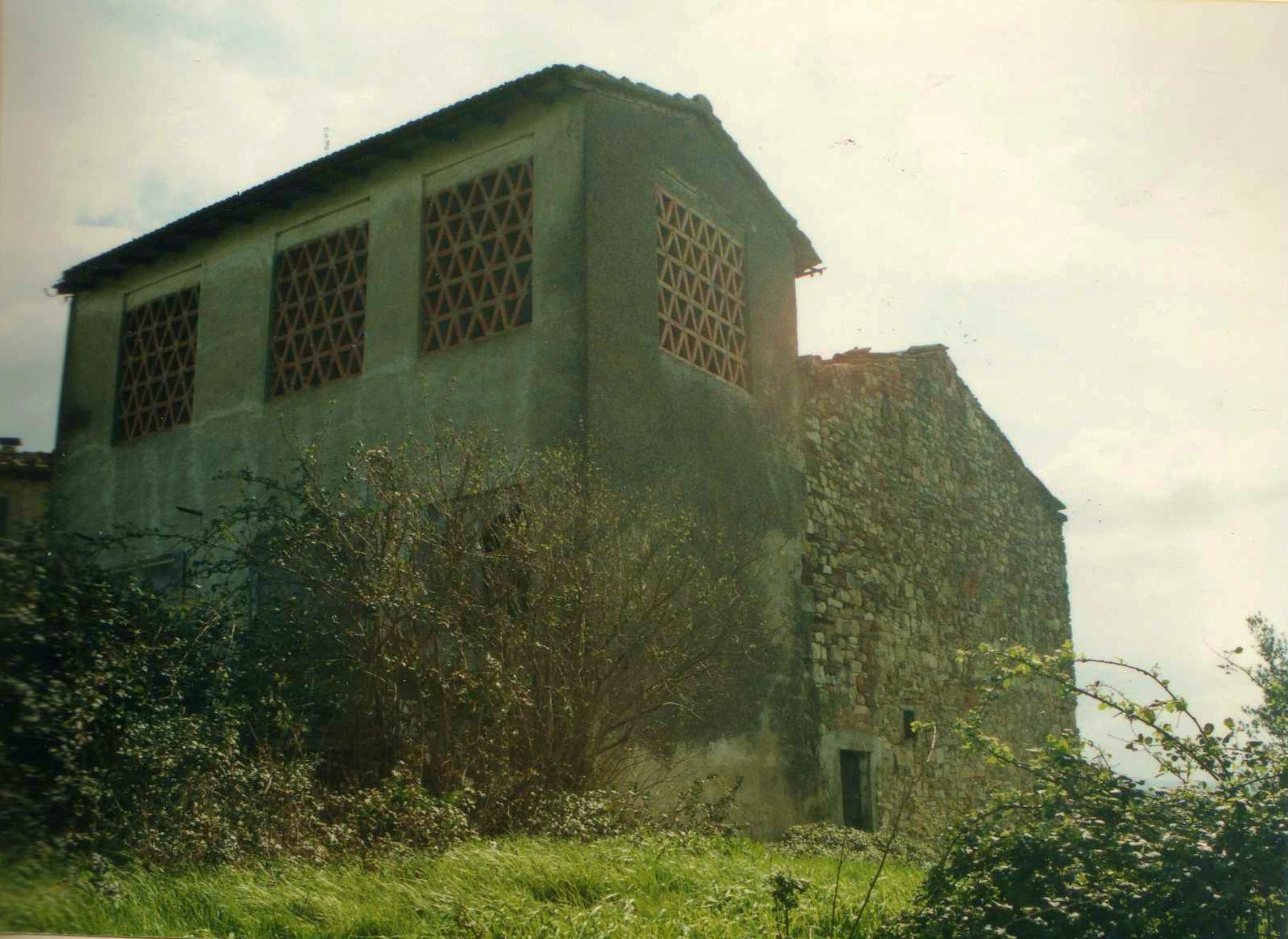 Verdesalvia sopravvissuti seconda puntata l 39 acquisto for Passi per l acquisto di terreni e la costruzione di una casa
