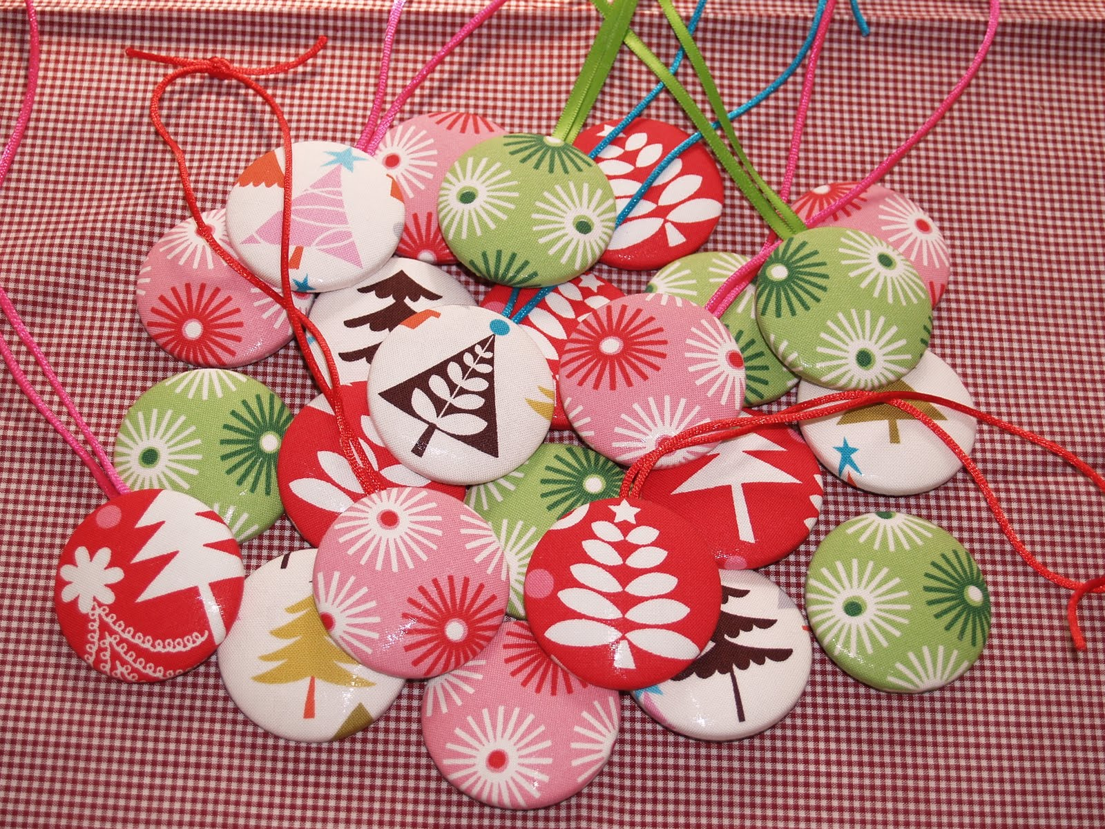 #A82328 Jackobindi: NEW FABRIC BUTTON CHRISTMAS DECORATIONS DIY KITS 5933 décoration de noel manuelle 1600x1200 px @ aertt.com