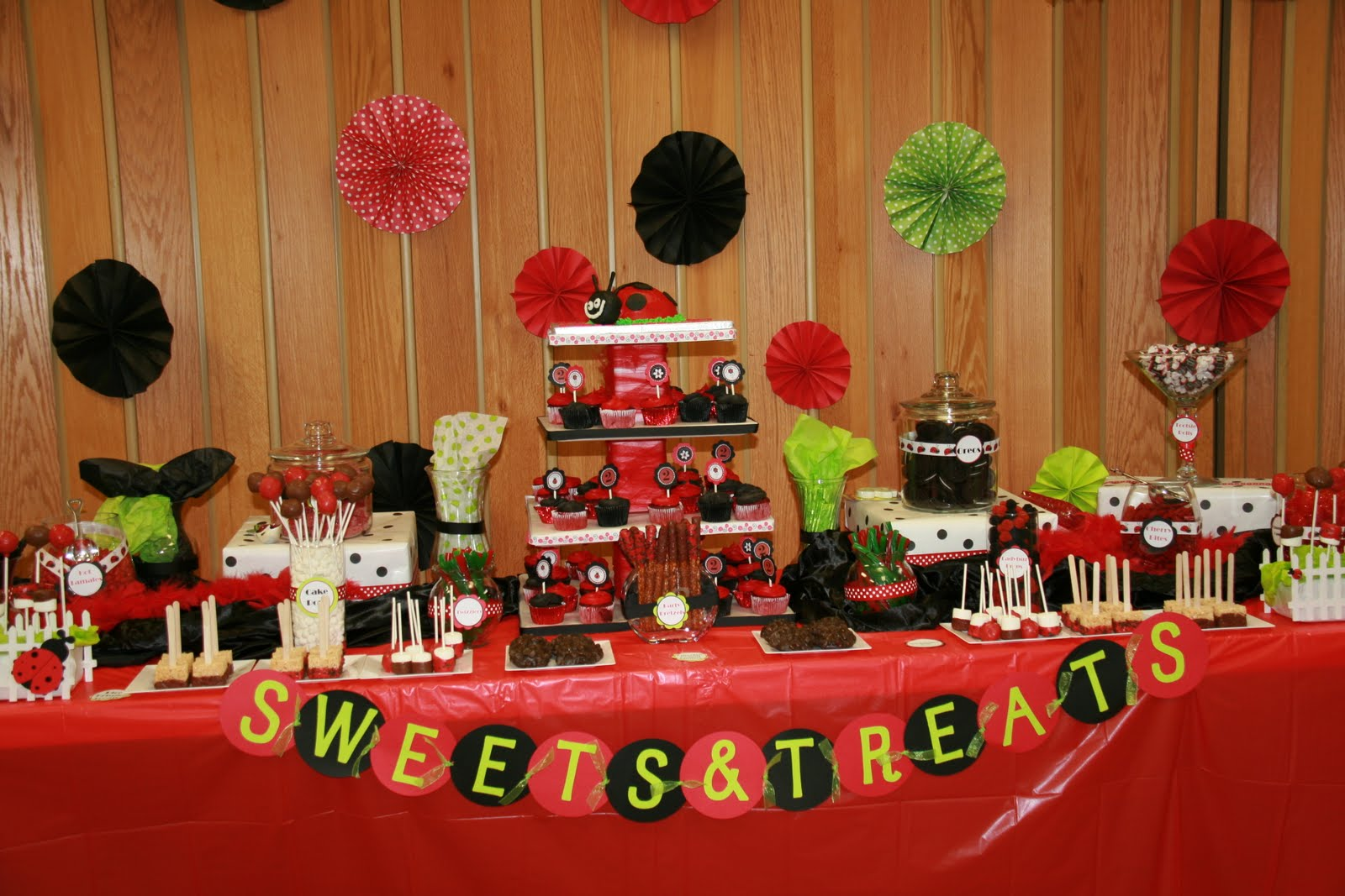 Ladybug Birthday Party Decorations And Banners 1600x1067 In 228 5KB