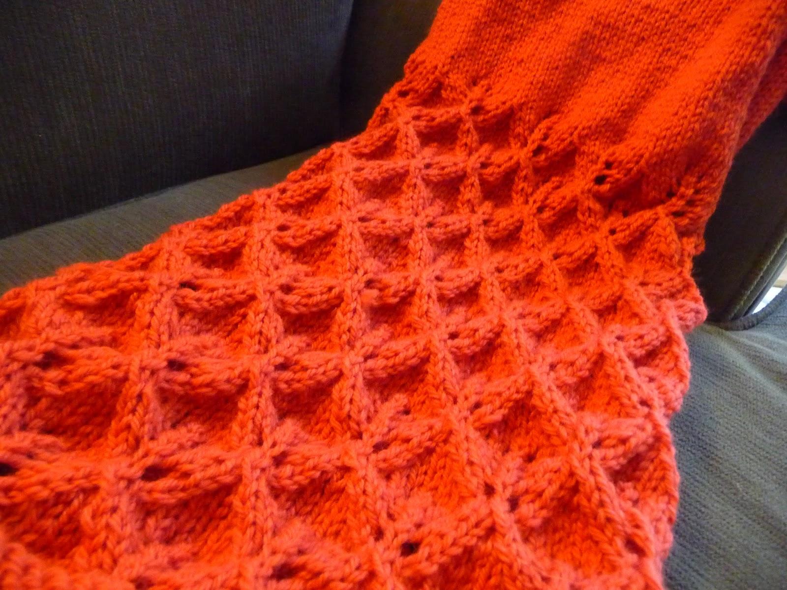 Falling Leaves Knitting Pattern : LittleRedSaid.......: Knitting more Falling Leaves