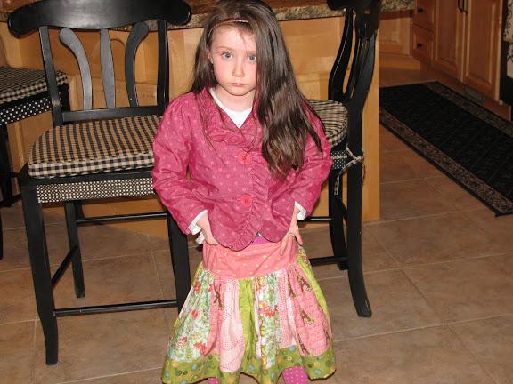 Little girls in skirts Photo 1