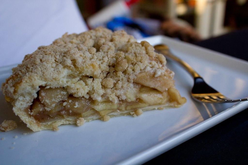 dish apple pie apple pie deep dish apple pie never skip dessert deep ...